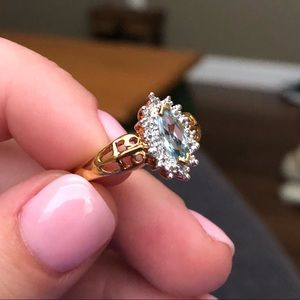Jewelry - Vintage Aquamarine Gold Ring
